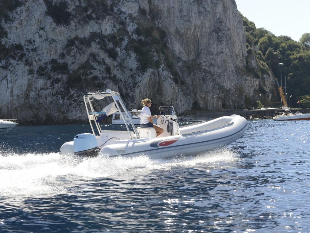 Location de bateau pneumatique Model Selva D570