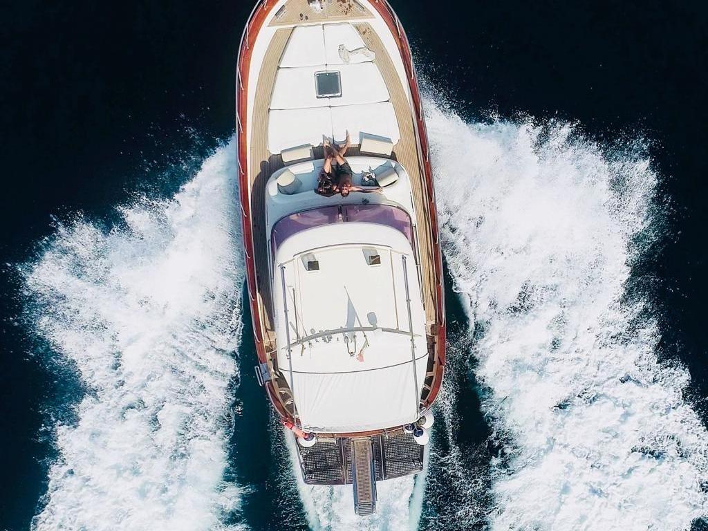 Demande en mariage sur un bateau